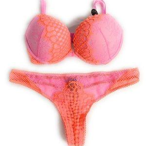 Victoria's Secret 32D Large bombshell bra set